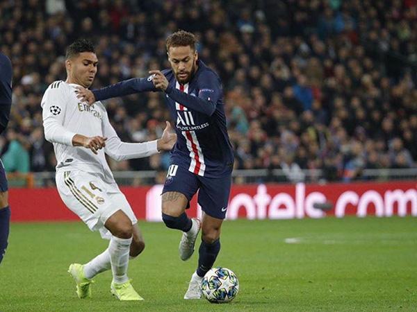 Emmanuel Petit criticou o camisa 10 do PSG. Foto: Facebook/Reprodução