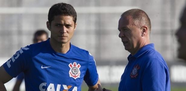 Anderson Martins, agora no SP, já atuou pelo Corinthians em 2014, com Mano Menezes