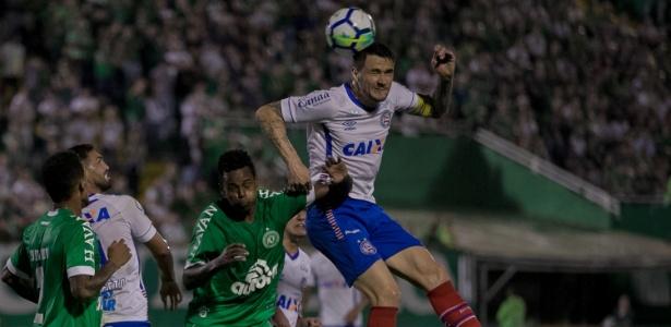 Apesar do primeiro ponto conquistado como visitante, o Bahia continua na zona de rebaixamento