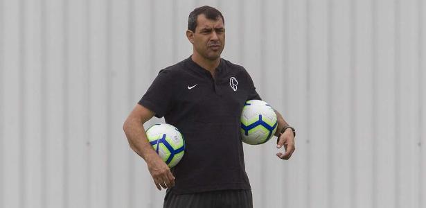 Carille já definiu o time que entra em campo. Foto: Daniel Augusto Jr/Ag. Corinthians/ Via UOL