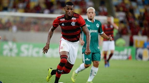 Jean Lucas em ação pelo Flamengo; jogador tem multa de 30 milhões de euros e ainda é aposta. Foto: Alexandre Vidal/Flamengo/Via UOL