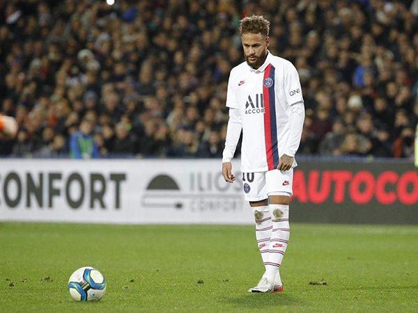 Craque brasileiro manifestou publicamente seu desejo de deixar o clube francês. Foto: Facebook/Reprodução