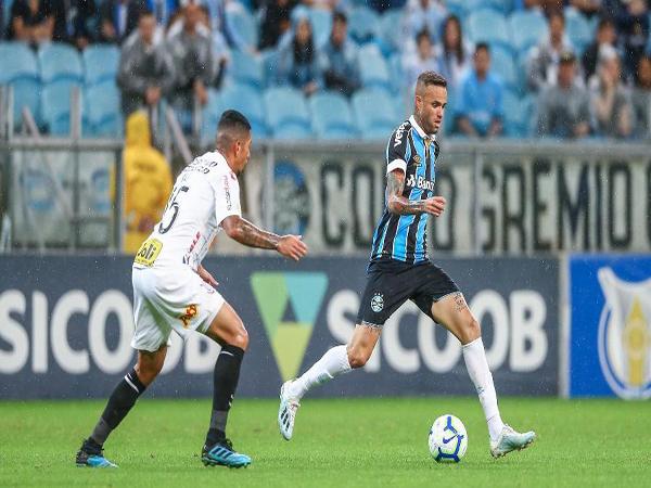 O meia-atacante é o primeiro reforço anunciado para a próxima temporada. (Foto: Grêmio)