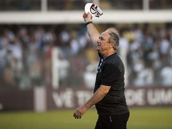 Aos 66 anos e anos e mais de 30 no futebol, treinador decidiu encerrar a carreira. Foto: Twitter/Divulgação