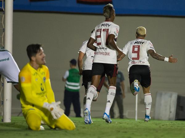 Bruno Henrique e Gabigol foram listado pelo The Guardian. Foto: Alexandre Vidal / Flamengo