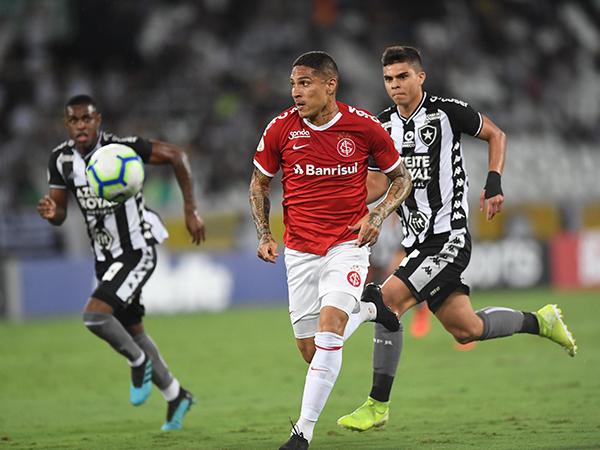 Para ter Guerrero, clube argentino poderia oferecer jogadores ao Colorado. Foto Ricardo Duarte/Internacional