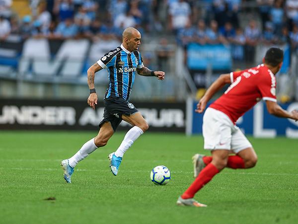 Sem empolgar, Tardelli virou alvo de críticas da torcida gremista: Foto: Lucas Uebel/Grêmio FBPA