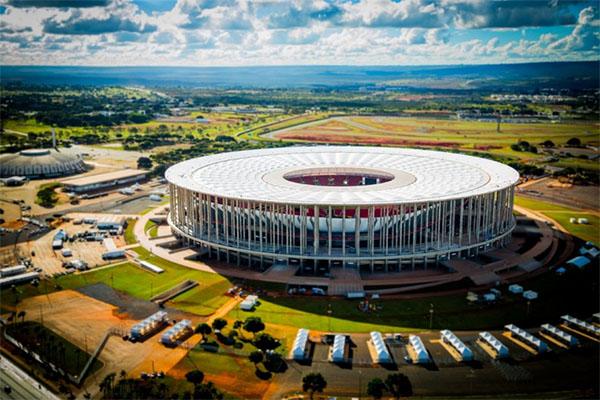 Encontro entre Athletico Paranaense e Flamengo ocorrerá no Mané Garrincha, em Brasília. Foto: Divulgação/Arena BSB