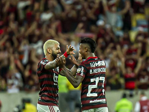 Atacantes do Flamengo entraram na lista do jornal Marca. Foto: Alexandre Vidal, Marcelo Cortes & Paula Reis / Flamengo