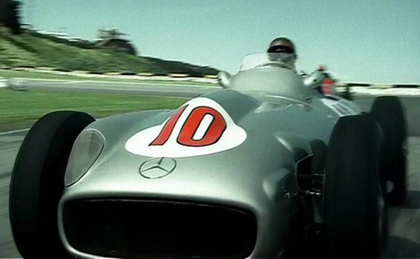 O pentacampeão de Fórmula 1 foi o personagem da peça publicitária da YPF. Foto: Reprodução/YouTube