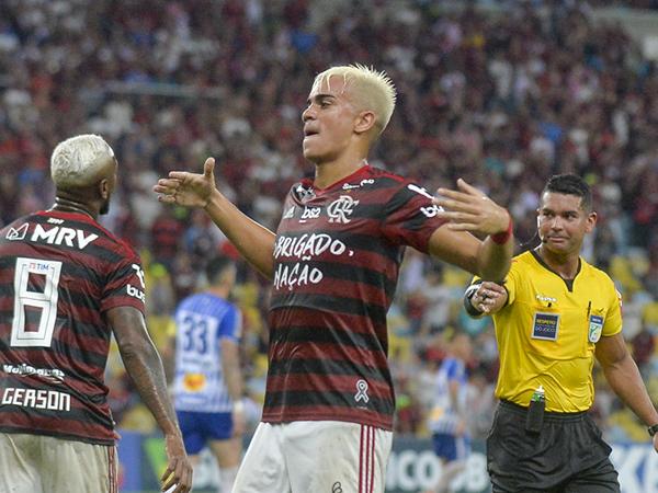 Diários espanhóis afirmam que o clube merengue devem investir em Reinier ainda em janeiro. Foto: Alexandre Vidal, Marcelo Cortes e Paula Reis / Flamengo