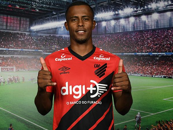 Jogador chega ao Furacão por empréstimo de três temporadas. Foto: Miguel Locatelli/Clube Athletico Paranaense