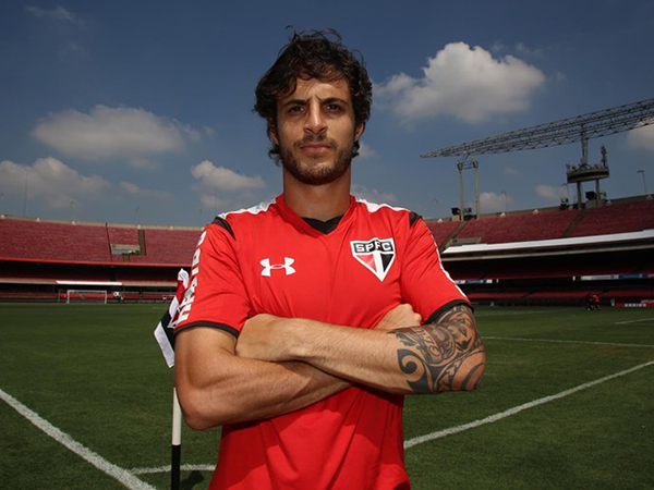 Volante acerta últimos detalhes para se transferir ao Tricolor das Laranjeiras. Foto: Rubens Chiri/São Paulo