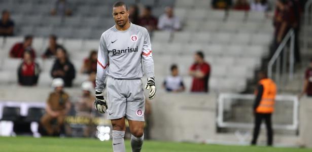 Aos 42 anos, o goleiro titular da seleção brasileira na Copa do Mundo de 2006 cogita seguir em atividade por mais duas temporadas