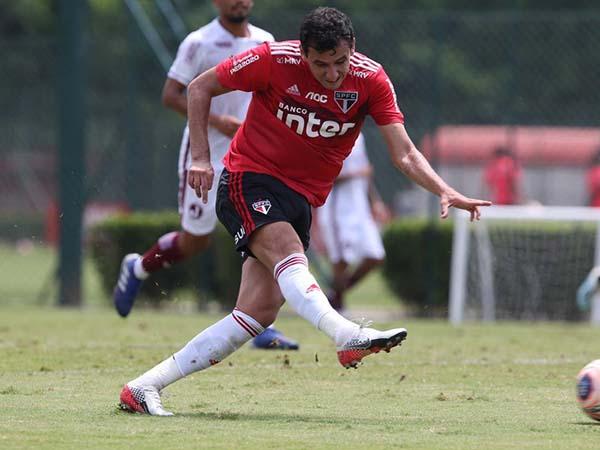Camisa 9 tricolor mostrou confiança para ter uma temporada melhor no clube do Morumbi. Foto: São Paulo/Divulgação