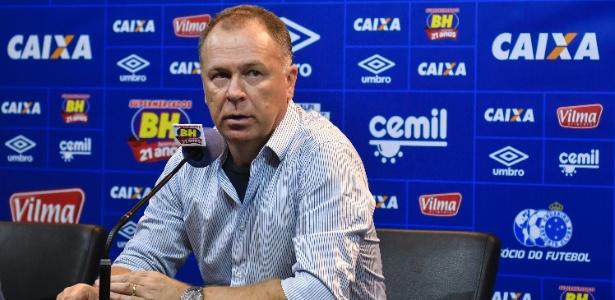 Treinador elogiou gol do camisa 9 que veio em bom momento após três jogos de seca