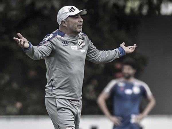 Ex-treinador do Santos teria conversas avançadas com a Federação Venezuelana de Futebol. Foto: Ivan Storti/Santos FC