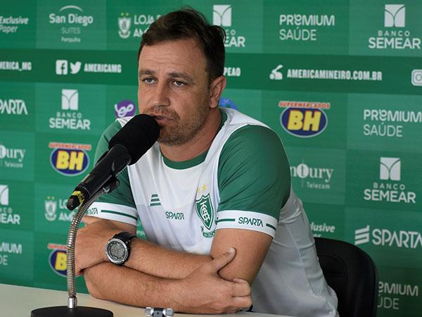 Treinador estava no América-MG. Foto: Estevão Germano / América