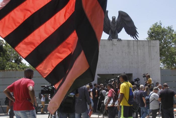 Promotores pediram que o Judiciário bloqueie R$ 57,5 milhões da conta do clube