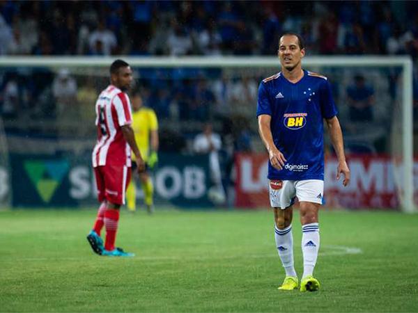 Meia cruzeirense negocia sua rescisão de contrato com a Raposa. Foto: Bruno Haddad/Cruzeiro