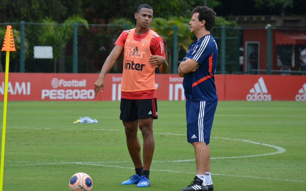 Técnico Fernando Diniz deve escalar a mesma equipe que venceu a Ferroviária. Foto: Twitt São Paulo/Reprodução