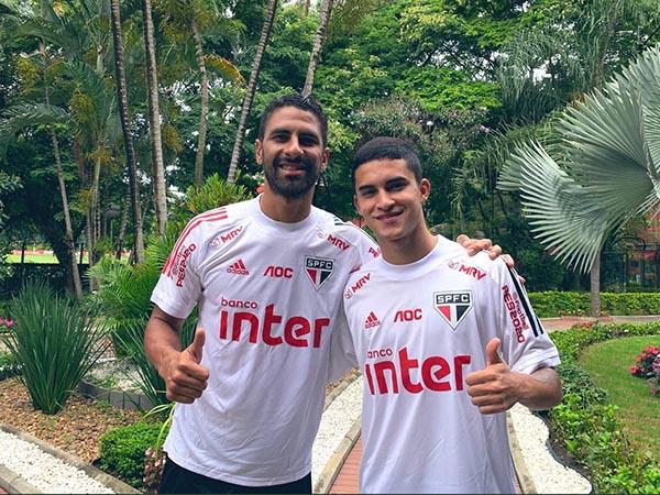 Tréllez, ao lado de Rodrigo Nestor, está de volta ao clube e integrará o elenco de Fernando Diniz. Foto: São Paulo/Divulgação
