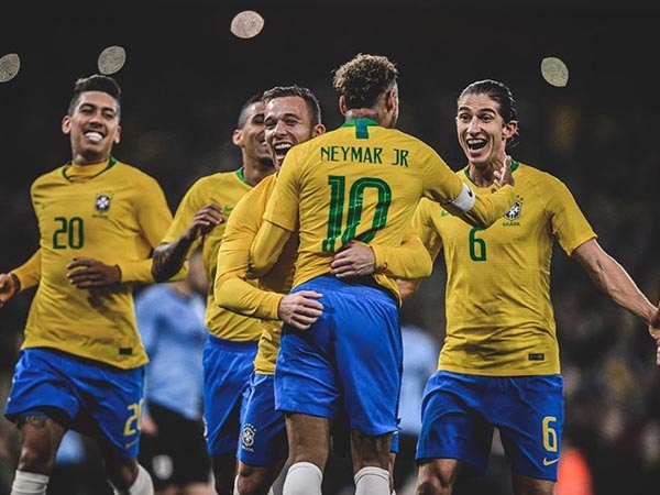 """Otimista com futuro da seleção brasileira para 2022, Neymar destaca: """"Estamos muito fortes"""""""