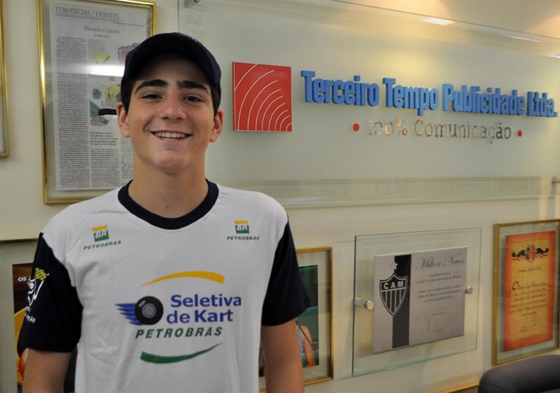 Piloto de 15 anos esteve na redação do Portal Terceiro Tempo. Foto: Marcos Júnior Micheletti/Portal TT