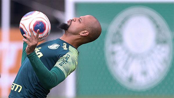 Versatilidade do jogador foi destacada por Luxemburgo em entrevista. Foto: Cesar Greco/Ag Palmeiras