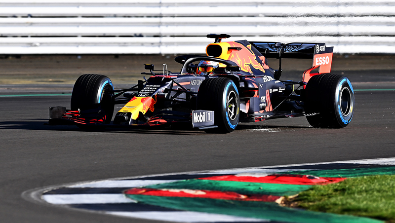 Equipe austríaca já colocou seu monoposto na pista de Silverstone. Foto: Aston Martin Red Bull Racing/Divulgação
