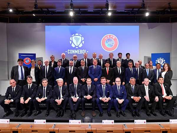 Dirigentes das duas entidades se reuniram na sede da Uefa, na Suíça. Foto: Conmebol/Divulgação