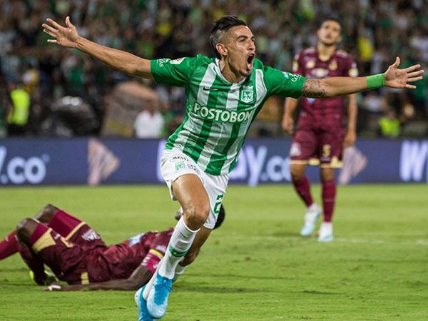 Segundo o globoesporte.com, o clube colombiano não quer abrir mão de Daniel Muñoz. Foto: Reprodução/Atlético Nacional