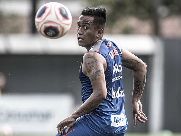 Meia peruano poderá assinar contrato com o clube mexicano. Foto: Ivan Storti/Santos FC