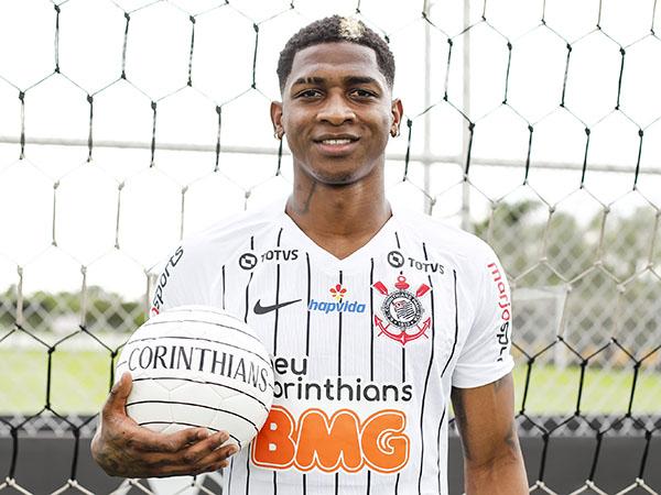 Atacante colombiano recebeu a camisa de número 11 no Timão. Foto:  Corinthians/Divulgação