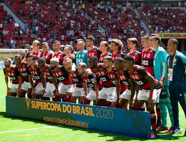 O dinheiro que o Flamengo gera faz com que o time seja sempre forte, com bons jogadores