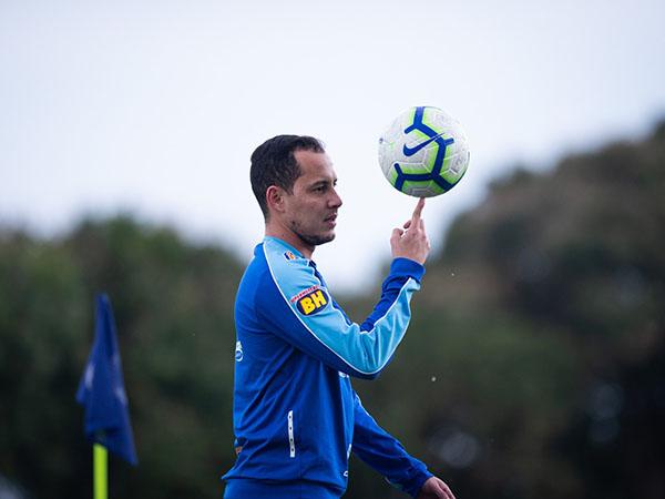 Meia ex-Cruzeiro e Corinthians assinou contrato até 2021 com o Tricolor baiano. Foto: Bruno Haddad/Cruzeiro