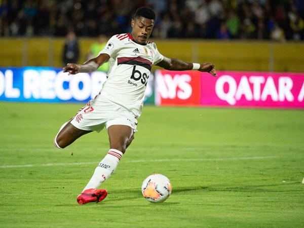 Médico do Mengão explicou que o atacante será reavaliado ao longo da semana. Foto: Alexandre Vidal / Flamengo