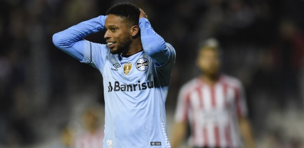 Apaloaza e Campi fizeram para os argentinos e depois o Grêmio descontou