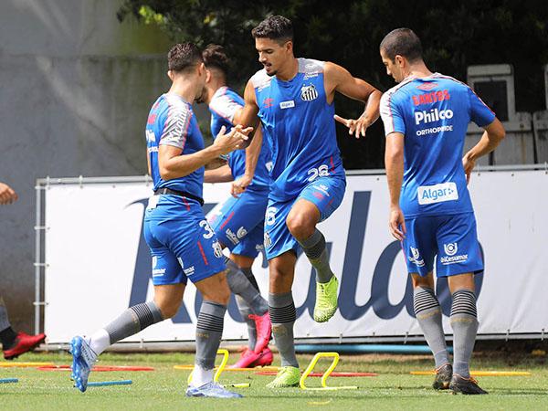 Zagueiro Lucas Veríssimo fará sua estreia na temporada: Foto: Ivan Storti/Santos FC