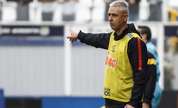 Treinador admitiu pressão e cobranças por resultados no Paulista. Foto: Daniel Augusto Jr/Ag. Corinthians