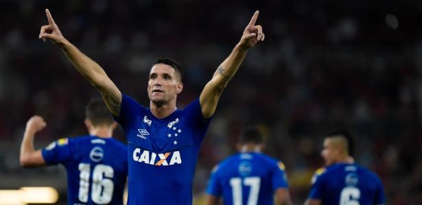 Thiago Neves não fez uma partida tão boa, mas marcou o gol que deu fim à reação do Fla