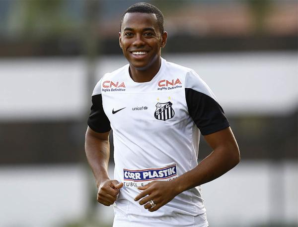 Se acertar o seu retorno, Robinho vestirá a camisa do Santos pela quarta vez. Foto: Santos Futebol Clube
