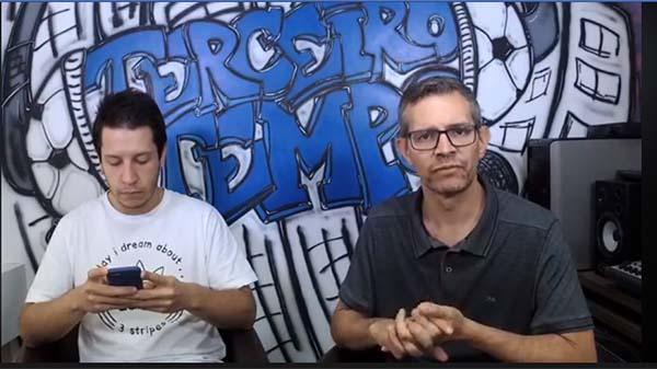 Lucas Reis e Frank Fortes durante a Live sobre a chegada de Sampaoli ao Atlético. Foto: Reprodução/Facebook