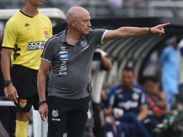Técnico Jesualdo Ferreira fará sua estreia no torneio sul-americano. Foto: Santos FC