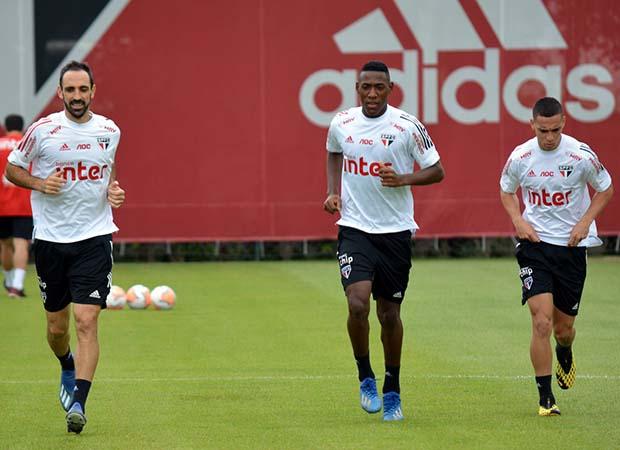 Recuperando-se de lesões, jogadores aumentaram suas chances de viajar para o Peru com a delegação tricolor. Foto: Twitter/São Paulo FC