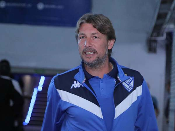 Sob o comando de Gabriel Heinze, Vélez ocupa a terceira posição no campeonato local. Foto: Facebook/Reprodução