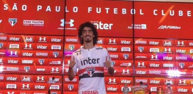 O meia atacante já treinou com os novos companheiros de São Paulo e foi apresentado nesta sexta. Foto: José Eduardo Martins/UOL