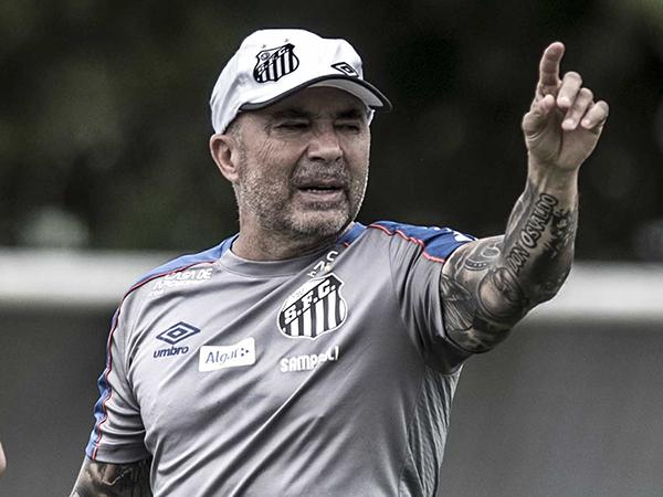 Treinador argentino cobrou salários atrasados referentes aos três últimos meses de 2019. Foto: Ivan Storti/Santos FC