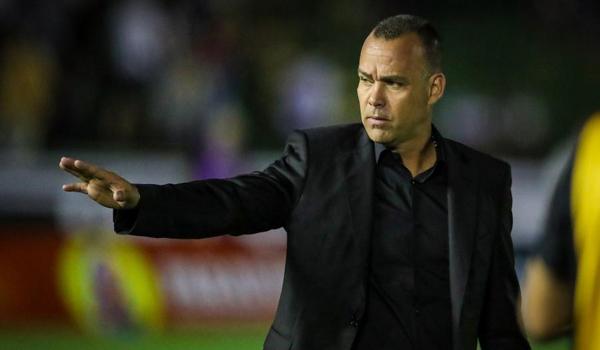 Para deixar o Galo, o treinador aceita parcelar a multa. (Foto: Atlético-MG)