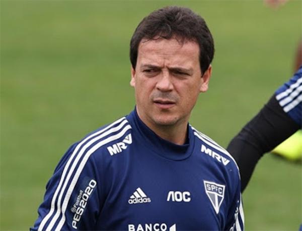 Fernando Diniz deve mandar ao campo time alternativo. Foto: Rubens Chiri/São Paulo FC